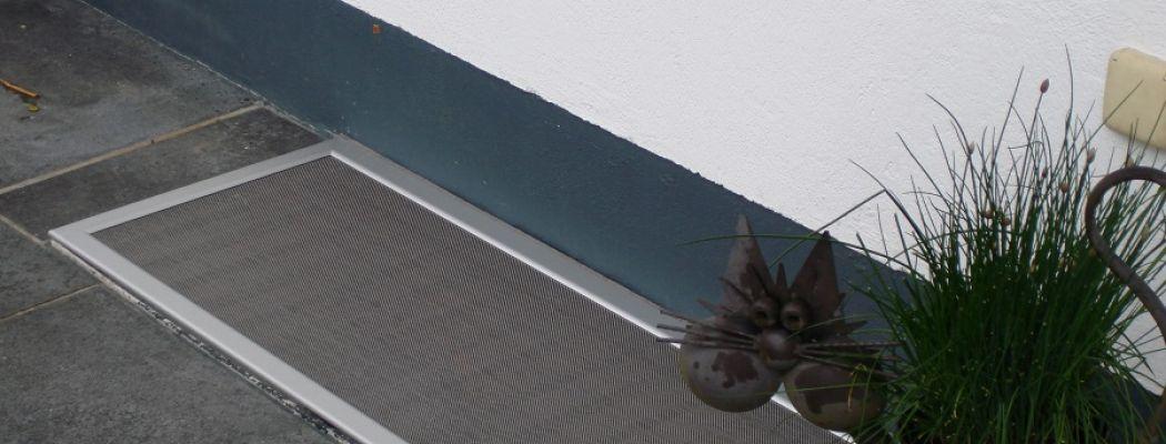 fliegengitter spannrahmen drehrahmen f r fenster rollo dreht re spannbauer rolladen. Black Bedroom Furniture Sets. Home Design Ideas